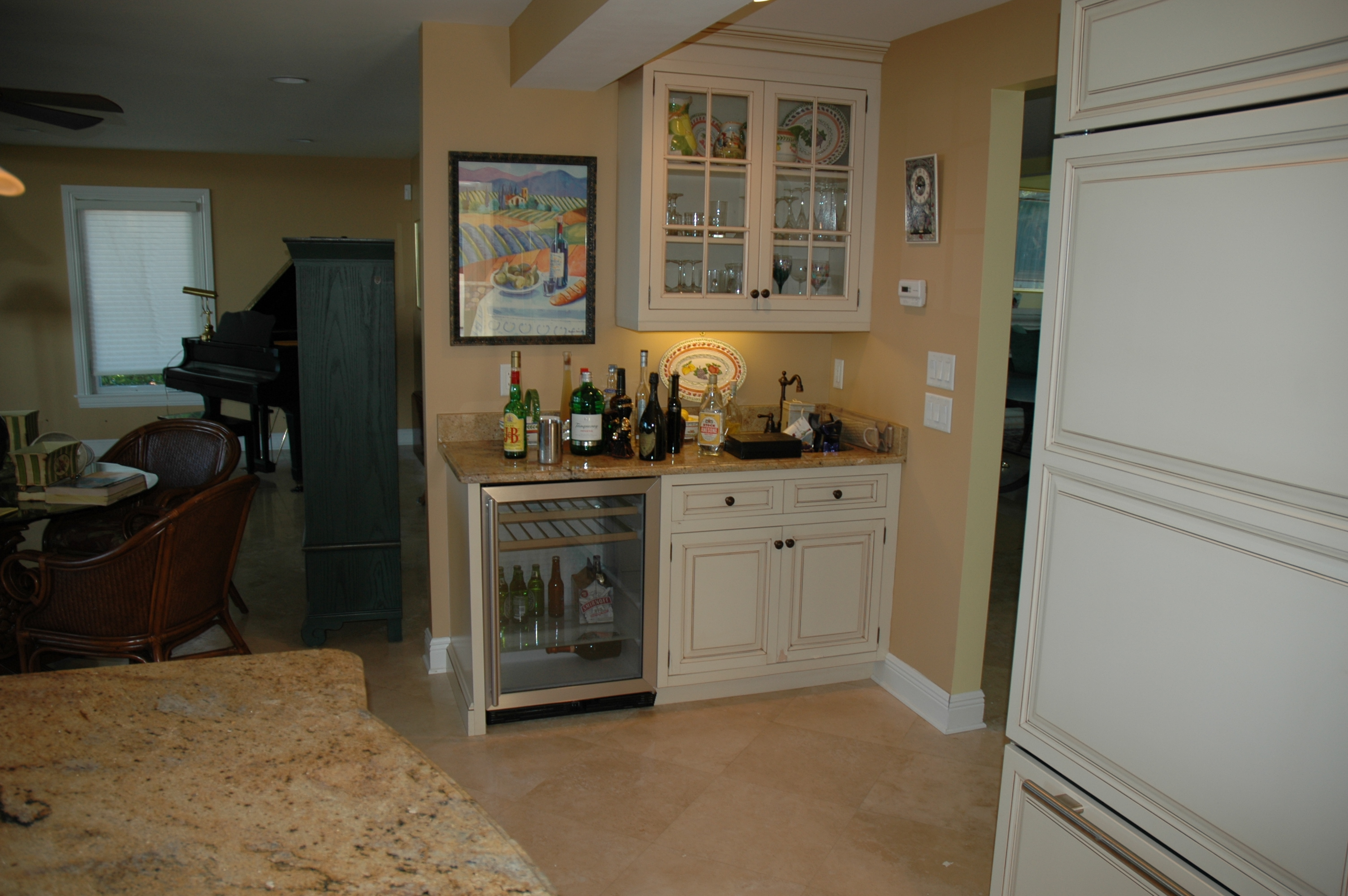 ... The Cabinet Gallery In Stuart, FL Can Design And Install The Custom Wet  Bar Of ...